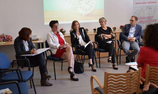 Itta Tenschert, Maria Steibl, Gabriele Fischer, Sabine Platzer-Werlberger, Fadi Dohnal  (v.l.) Foto: © Kleine Zeitung/Kasupovic